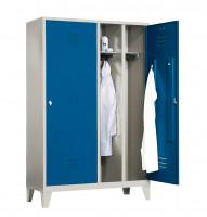 Garderobenschrank, die Klassischen, 4 Abteile mit 2 Tür für 2 Personen, Abteilbreite 300 mm, mit Soc Lichtgrau RAL 7035 / Lichtgrau RAL 7035