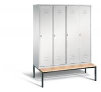 C+P Garderobenschrank, die Klassischen, mit unterbauter Sitzbank, Abteilbreite 400 mm, 4 Abteile Lichtgrau RAL 7035 / Lichtgrau RAL 7035