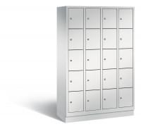 C+P Schließfachschrank, die Klassischen, Abteilbreite 300 mm, Anzahl Fächer 20, mit Sockel Lichtgrau RAL 7035 / Lichtgrau RAL 7035