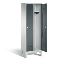C+P Garderobenschrank, die Klassischen, Abteilbreite 300 mm, mit Füßen 2