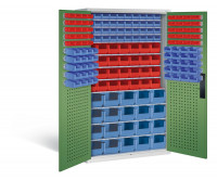 Großraumschrank mit 68 roten und 100 blauen Sichtlagerkästen, HxBxT 1950 x 1100 x 535 mm Lichtgrau RAL 7035 / Resedagrün RAL 6011